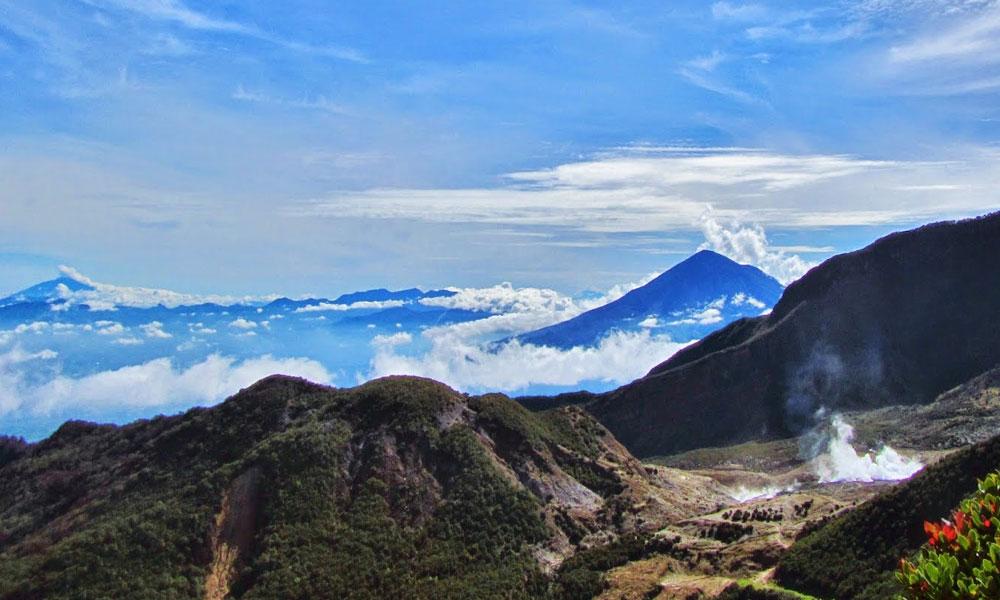 Days Volcanoes Trekking